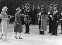 XXXIII-1134-3 Het Britse vorstenpaar H.M. Koningin Elizabeth en Z.K.H. Prins Philips van Engeland heeft een bezoek aan ...