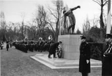 XXXIII-1330 Het Korps Mariniers gedenkt, in verband met het overlijden van H.K.H. Prinses Wilhelmina op sobere wijze, ...