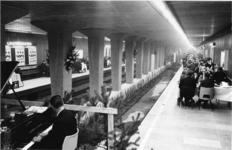 XXXIII-1372-2 In het kader van het Havenjaar wordt de dag van de Rotterdamse expediteurs gehouden. Het programma wordt ...