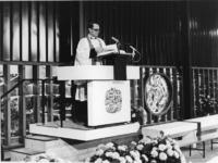 XXXIII-1469-3 Tijdens de ingebruikneming van de Nederlands Hervormde Antwoordkerk. De eerste dienst, de Oud-Katholieke ...