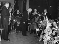 XXXIII-1518-01-01 Afscheid van Eduard Flipse als vaste dirigent van het Rotterdams Philharmonisch Orkest. De heer E. ...