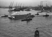 XXXIII-553 Werkzaamheden op de Nieuwe Maas in verband met de aanleg van de Maastunnel.