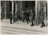 XXXIII-575 Bezoek van dr. A. Seyss-Inquart aan Rotterdam. Burgemeester P.J. Oud en de rijkscommissaris voor het bezette ...