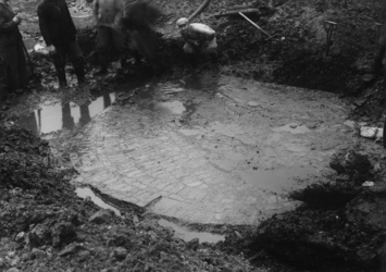 XXXIII-589-3 Opgravingen ten oosten van de Hoofdsteeg aan weerszijden van de Hoogstraat.