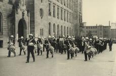 XXXIII-685-1 Vlootweek van 13 augustus - 20 augustus.Op het Doelwater vindt een militaire demonstratie plaats.