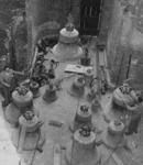 XXXIII-753-00-01-2 Overzicht van de klokken die in de Sint-Laurenskerk worden gehesen.