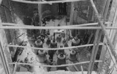 XXXIII-753-00-01-3 Overzicht van de klokken die in de Sint-Laurenskerk worden gehesen.