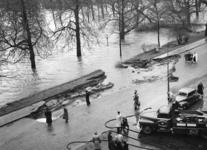 XXXIII-869-05-4 Een combinatie van zeer zware storm en springvloed veroorzaakt een watersnoodramp in Zeeland en delen ...