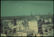1978-2691 De Coolsingel (westzijde, tegenover het stadhuis) na het bombardement van 14 mei 1940. Op de achtergrond de ...