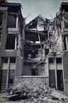 1988-1258 Een beschadigd pand Van Brakelstraat 41 na het bombardement van 14 mei 1940.