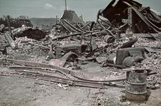 1988-1262 De Boompjes na het bombardement van 14 mei 1940. Op de achtergrond het gebouw van de GGD aan de Baan in de ...
