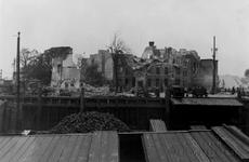 XXXIII-569-27-13 Restanten van het ooglijdersgesticht aan de Oostmolenwerf, na het bombardement van 14 mei 1940.
