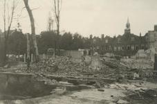 XXXIII-569-27-22 Gezicht in de door het Duitse bombardement van 14 mei 1940 getroffen Witte de Withstraat, als gevolg ...