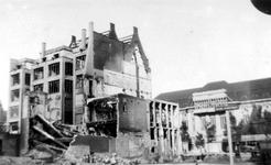 XXXIII-569-36-13 Restanten van panden aan de Nieuwe Kerkstraat als gevolg van het Duitse bombardement van 14 mei 1940. ...