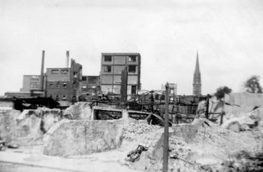 XXXIII-569-36-29 Restanten van de fabriek van Jamin en panden aan de Hugo de Grootstraat, als gevolg van het Duitse ...