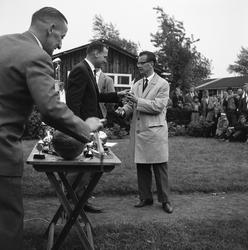 6-03 De uitreiking van sportprijzen tijdens de Bondsdag bij voetbalclub DOS '32