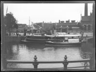 7 Het Boerengat en de Admiraliteitskade met aan de rechterzijde het gebouw van het stoomgemaal Schieland.