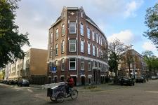 254 Huizenblok op de hoek van de Soetendaalseweg en Zwaanshals.