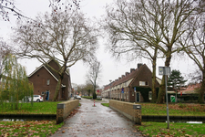 268 De Jagerslaan in Tuindorp Vreewijk, gezien vanaf de Valkeniersweide.
