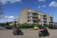 87 Flatgebouw op de hoek van de Erasmussingel en de Van Enckevoirtlaan in Schiebroek.
