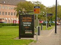 260 Rotterdam tijdens de Coronapandemie. Twee vliegen in een klap met deze reclame/boodschap van bouwmarkt Hornbach in ...